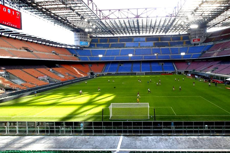 serie a Iταλία ποδόσφαιρο Μίλαν χωρίς κόσμο